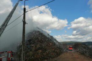 incendiul-de-la-groapa-de-gunoi-a-municipiului-sighisoara-a-fost-stins-dupa-circa-18-ore