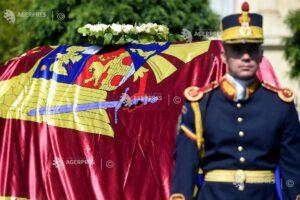ceremonie-religioasa-si-militara-la-aeroportul-otopeni-pentru-regina-elena