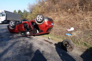 accident rutier cu o masina rasturnata si trei victime la sarmasel gara