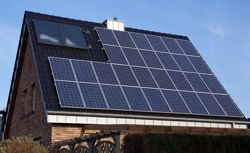 25.500-de-dosare-au-fost-depuse-pana-acum-in-cadrul-programului-guvernamental-de-finantare-pentru-instalarea-de-panouri-fotovoltaice