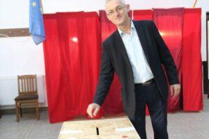 "simon-istvan,-primar-sinpaul-(udmr):-""am-votat-ca-sa-fie-liniste-si-sa-putem-munci"""
