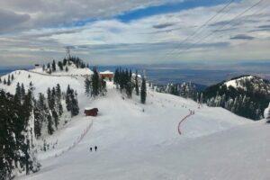domeniul-schiabil-din-poiana-brasov,-pregatit-pentru-amatorii-sporturilor-de-iarna