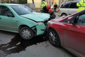 azi.-accident-intre-doua-masini,-4-persoane-implicate,-la-tirgu-mures!