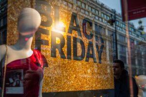 magazinele-se-pregatesc-pentru-black-friday
