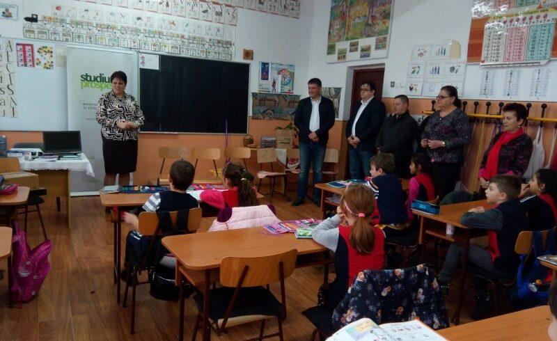 donatie-de-circa-1600-de-euro-pentru-o-scoala-mureseana