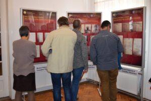 expozitie-foto-documentara-care-prezinta-specificul-zonei-in-ampla-miscare-nationala-din-1918,-in-transilvania
