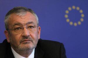fostul-ministru-al-finantelor-sebastian-vladescu-a-fost-trimis-in-judecata-de-dna-pentru-luare-de-mita-si-trafic-de-influenta