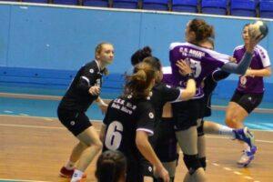 victorie-pretioasa-pentru-handbalistele-arena
