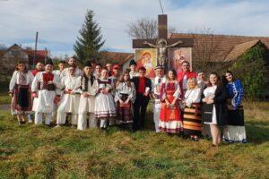 psd-mures:-campanie-cu-minori,-cruci-si-costume-nationale