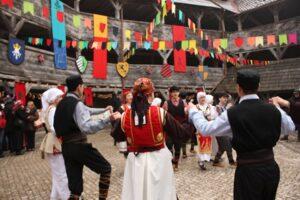 unul-din-cele-mai-asteptate-evenimente-ale-festivalului-etnovembere-la-brasov-este,-de-fiecare-data,-targul-medieval