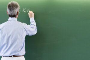 reducerea-birocratiei-in-scoli,-dorita-de-profesori-si-inspectori
