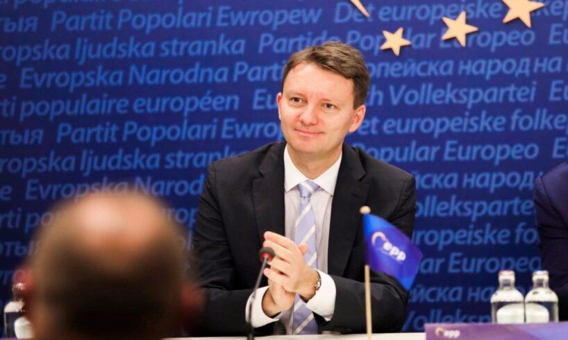 siegfried-muresan-candideaza-pentru-functia-de-vicepresedinte-al-ppe