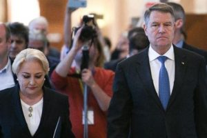 casele-de-pariuri-il-considera-mare-favorit-pe-iohannis-in-turul-doi-/-ce-cota-are-dancila