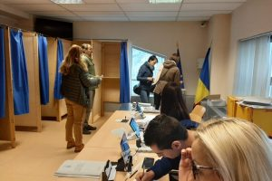romanii-din-strainatate-au-inceput-sa-voteze-la-turul-al-doilea-al-alegerilor-prezidentiale
