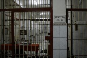 aproape-90-%-dintre-detinutii-cu-drept-de-vot-din-penitenciarul-tg.-mures-merg-duminica-la-urne