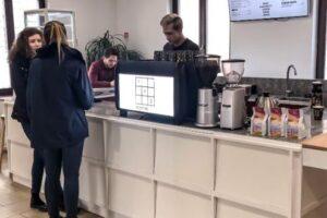 112 coffee co si mai aproape de studentii din targu mures