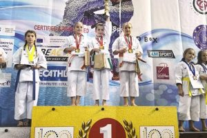 karatistii-de-la-dragon-do-tg.mures,-medaliati-la-cupa-campionilor-europeni