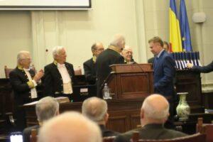 "istoricul-reghinean,-dr.-dorin-ioan-rus-distins-cu-premiul-academiei-romane-""vasile-parvan"""
