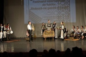 foto:-vizionarismul-pedagogic-si-un-festival-cu-deschidere-internationala