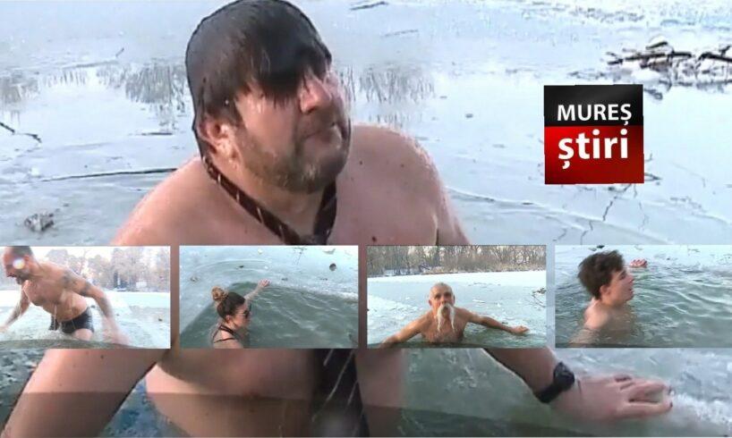 foto peste 20 de mureseni au facut baie in raul mures la zero grade