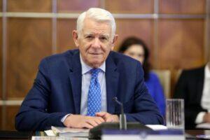 ccr:-alegerea-lui-teodor-melescanu-la-sefia-senatului-–-neconstitutionala