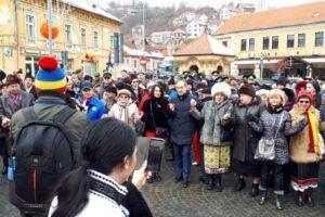 peste-200-de-brasoveni-au-sarbatorit-mica-unire-in-piata-unirii,-din-schei