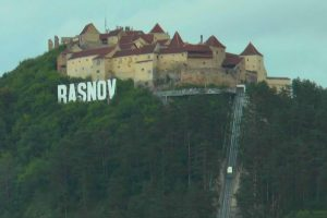 cetatea-rasnov-va-intra-timp-de-aproape-doi-ani-in-ultima-faza-a-restaurarii