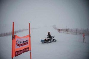 tanar-mort-intr-un-accident-de-snowmobil-la-predeal