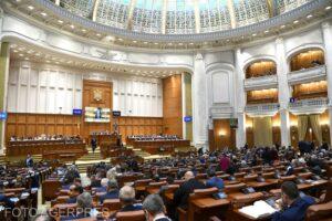parlamentul-se-reuneste,-de-astazi-si-pana-miercuri,-in-sesiune-extraordinara