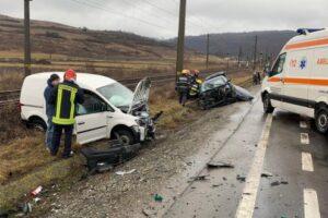 foto accident rutier cu 4 victime dintre care un bebelus de 11 luni in localitatea mureni