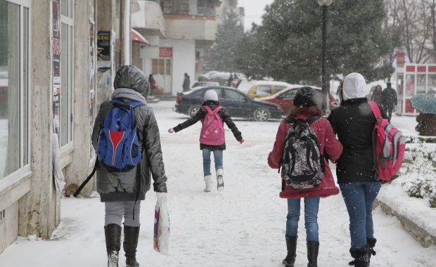 scolile din sase judete sunt inchise din cauza conditiilor meteo nefavorabile