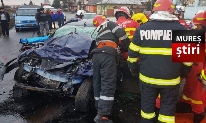acum o victima dupa impactul dintre un tir si o masina pe dn15 tirgu mures reghin foto