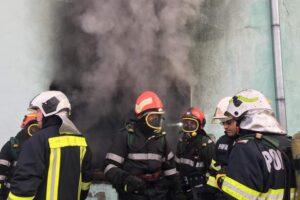 25-de-persoane-evacuate-dintr-un-bloc-din-sfantu-gheorghe