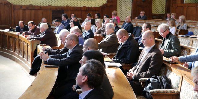 consilierii judeteni convocati la sedinta
