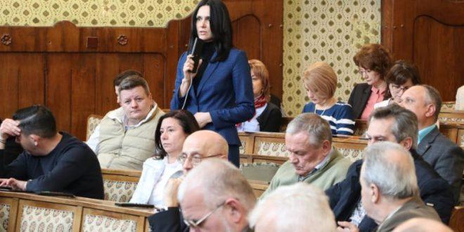 nadia rata renegata de liberali cine ii va lua locul in consiliul judetean mures
