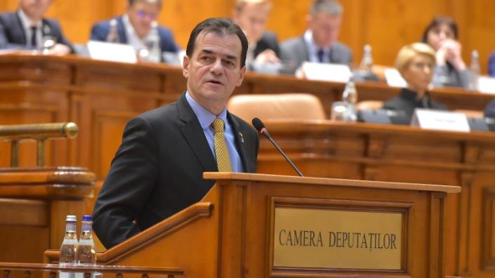 premierul desemnat ludovic orban merge in plenul reunit al parlamentului pentru a cere investirea noului sau cabinet