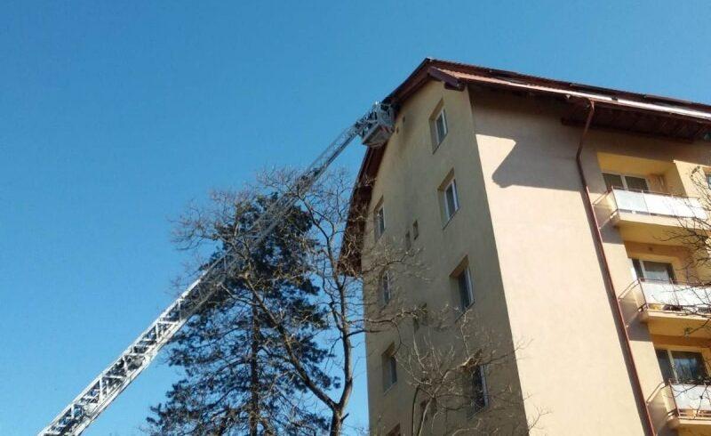val de interventii ale pompierilor mureseni din cauza problemelor cauzate de vant