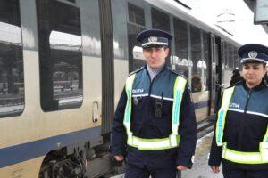 trenurile-de-calatori,-verificate-de-politistii-brasoveni