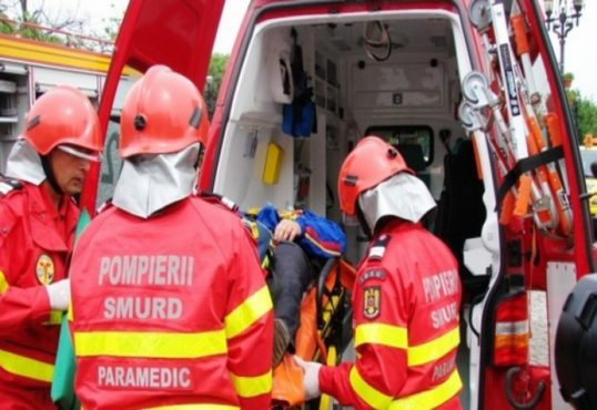doi muncitori electrocutati la stanceni transportati la spitalul municipal toplita