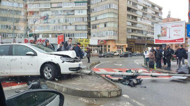 semafor scos din intersectie la fortuna