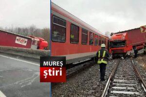 foto accident spectaculos cu un tir intrat intr un tren dupa ce a iesit de pe sosea la cluj