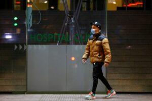 pacientii infectati cu covid 19 ar putea ramane la domiciliu