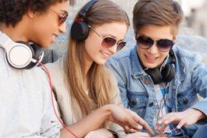 muzica si jocul ne pot ajuta sa ne simtim mai bine