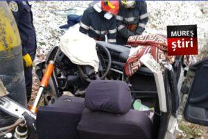 azi accident grav cu victima incarcerata foto
