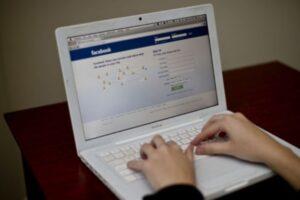 un deputat psd vrea laptop uri si tablete pentru elevi