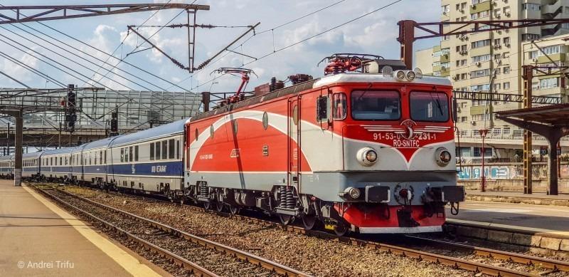 cfr-calatori-introduce-11-trenuri-suplimentare-la-noile-ore-de-varf