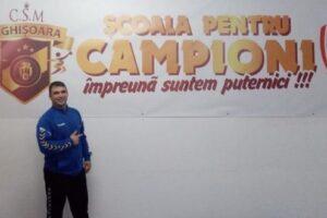 fotbalistii-din-sighisoara,-donatie-de-masti-pentru-personalul-medical