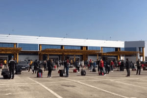procurorii-au-deschis-dosar-penal-pentru-zadarnicirea-combaterii-bolilor-dupa-incidentul-de-pe-aeroportul-din-cluj