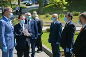 update:-presedintele,-premierul-si-ministrul-sanatatii-au-ajuns-la-tg.mures