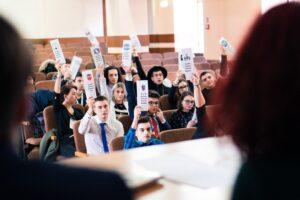 consiliul-national-al-elevilor-sesizeaza-avocatul-poporului